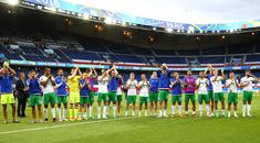 Northern Ireland's players wave goodbye to the fans after the final whistle after being defeated by Wales 1-0 in Saturday evenings last 16 of the Euro 2016 tournament at the Parc des Princes, Paris. Press Eye - Belfast - Northern Ireland - 25th June 2016 - Photo by William Cherry