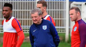 (From left to right) England's Daniel Sturridge, manager Roy Hodgson and Wayne Rooney during a training session at Stade de Bourgogones, Chantilly.