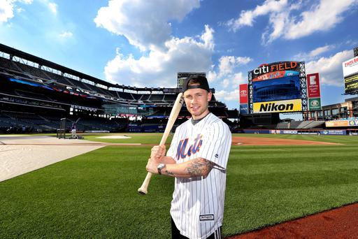 Carl Frampton was the VIP guest of the New York Mets ahead of his WBA featherweight title fight against Leo Santa Cruz at the Barclay Centre, Brooklyn, NY on Saturday night. He had a tour of Citi Field and met players before being presented with a Jersey on the field of play. Press Eye - Belfast - Northern Ireland - 27th July 2016 - Photo by William Cherry