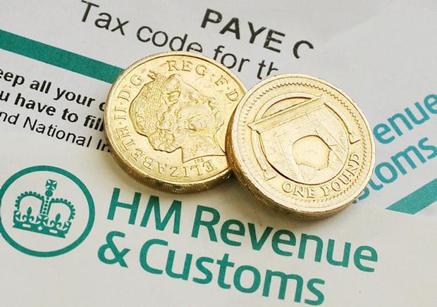 An American company brought in to cut fraud and error in the benefit system will not have its contract renewed following complaints it wrongly cut payments to hundreds of claimants, HM Revenue and Customs has said.