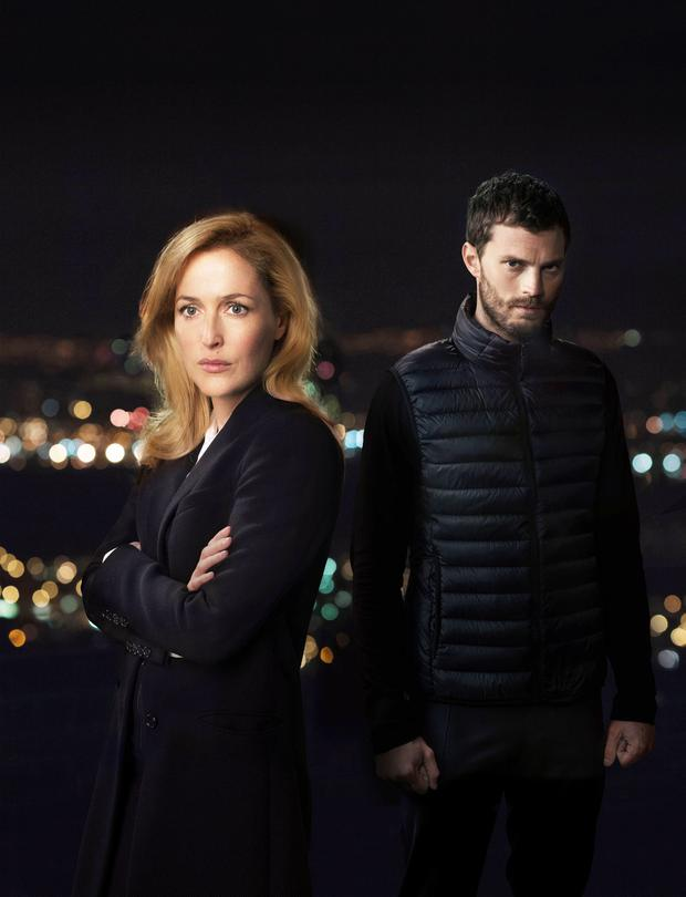 DSI Stella Gibson (GILLIAN ANDERSON), Paul Spector (JAMIE DORNAN) in The Fall.