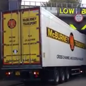 McBurney lorry gets stuck at the bridge.