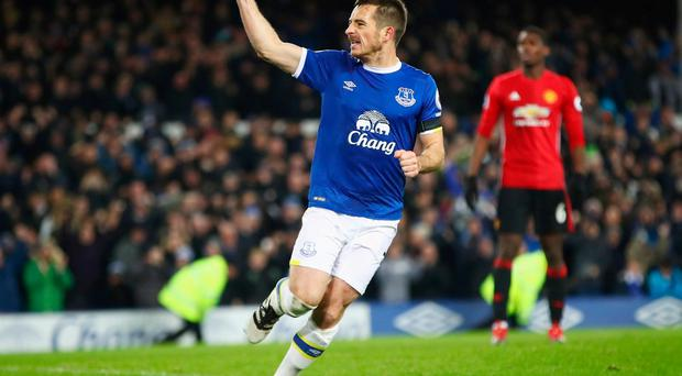 LIVERPOOL, ENGLAND - DECEMBER 04: Leighton Baines of Everton celebrates as he scores their first and equalising goal from the penalty spot during the Premier League match between Everton and Manchester United at Goodison Park on December 4, 2016 in Liverpool, England. (Photo by Clive Brunskill/Getty Images)