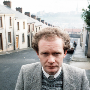 Martin McGuinness pictured in Derry with Rossville Flats in background and other street scenes. 11/11/85. 1148/85/bwc