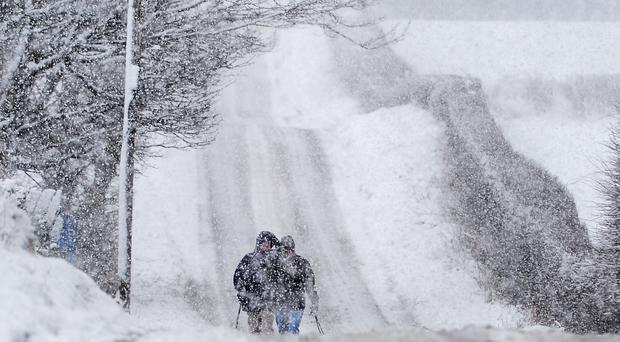 Five centimetres of snow expected this weekend as forecasters issue weather warning