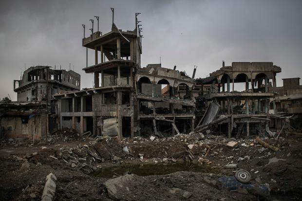 Destroyed buildings remain after fighting between Iraqi security forces and Islamic State militants, in west Mosul, Iraq, Saturday, March 18, 2017. (AP Photo/Felipe Dana)