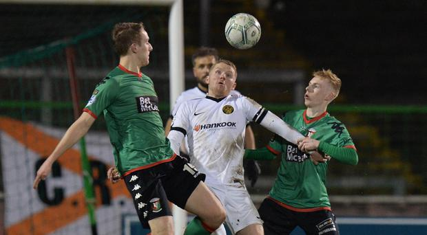 Glentoran v Carrick Rangers Danske Bank Premiership Glentoran's Conal Delaney and Carrick's Marty Murray during this evenings game at The Oval in Belfast. Photo Colm Lenaghan/Pacemaker Press