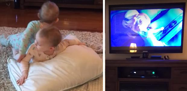 Madelyn and Scarlett Jordan re-enact their favourite scene from Frozen