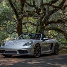 The Boxster S features a 2.5 litre flat four to boosts its power to 350 bhp with 309 lb/ft of torque