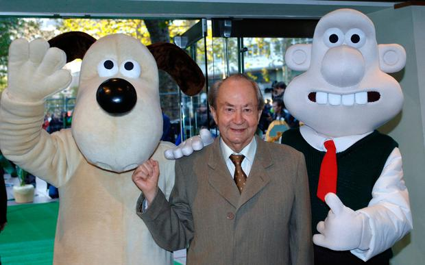 File photo dated 2/10/2005 of Peter Sallis with Wallace (right) and Gromit during the UK premiere of 'Wallace & Gromit: The Curse of the Were-Rabbit', at the Odeon Leicester Square, central London. PA