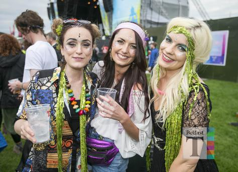 Festival goers out to see Arcade Fire and The Kooks performing at the first night of Belsonic. Ormeau Embankment, Belfast. Tuesday 13th June 2017 Liam McBurney/RAZORPIX