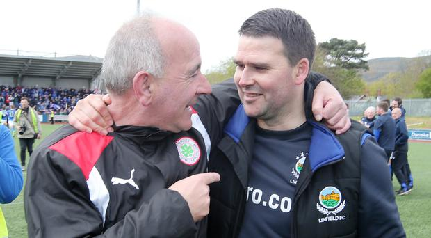 Supporters: Tommy Breslin with Linfield boss David Healy. Photo: Porter/PressEye.com