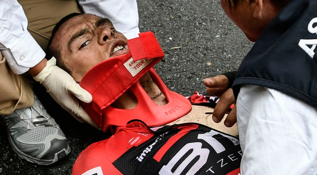 Geraint Thomas out of Tour de France with suspected broken collarbone