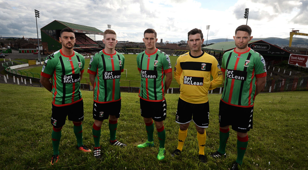 Looking up: Glentoran boss Gary Haveron hopes to revive the club's fortunes. Photo: Colm Lenaghan/Pacemaker