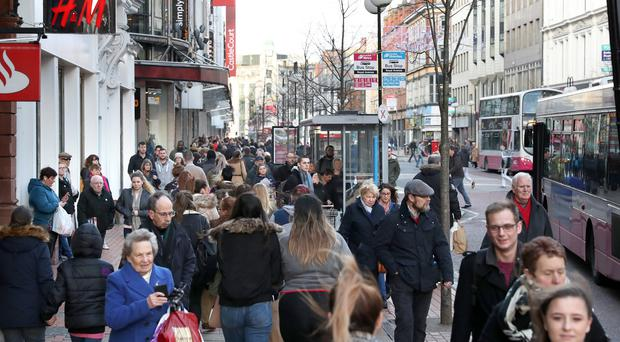 London shoppers rein in spending as footfall lags national average