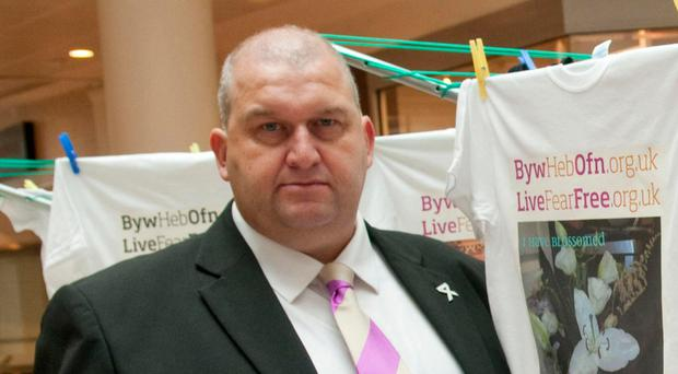 Ex-Welsh minister Carl Sargeant dead after suspension