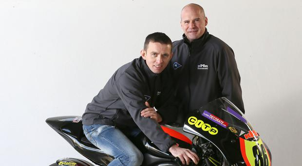 Going Far: Ryan Farquhar with his latest KMR Kawasaki team recruit Derek McGee and the Kawasaki ER6 he will race in 2018