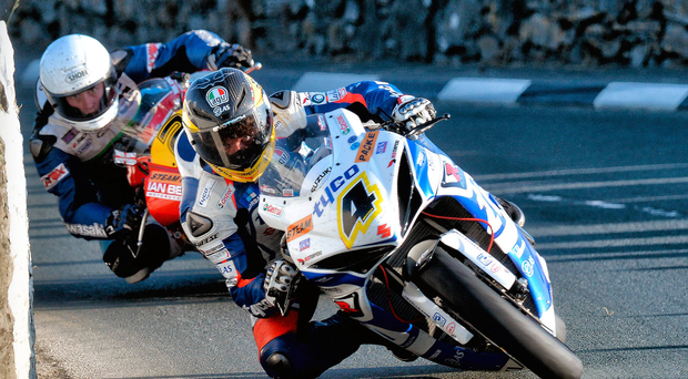Guy Martin leads the way through Iron Gate at the 2013 Southern 100