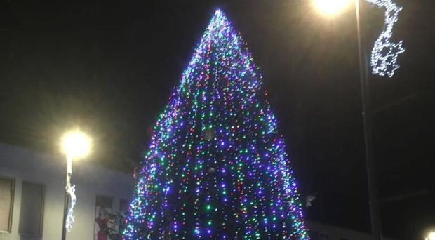 The newly revamped Newy Christmas tree.
