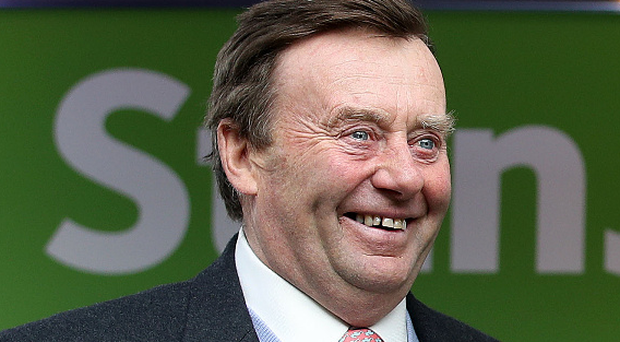 Nicky Henderson's Verdana Blue can defy an 8lb rise in the Racing Welfare Handicap Hurdle