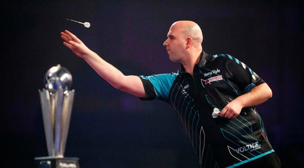 Rob Cross beats Phil Taylor 7-2 to win title