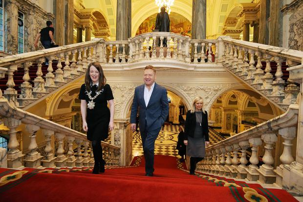 Press Eye - Belfast - Northern Ireland - 30th January 2018 - Sir Kenneth Branagh is pictured before a press conference at Belfast City Hall ahead of becoming a Freeman of the City of Belfast. He is joined by the Lord Mayor of Belfast Councillor Nuala McAllister and Suzanne Wylie, Chief Executive of Belfast City Council. Photo by Kelvin Boyes / Press Eye