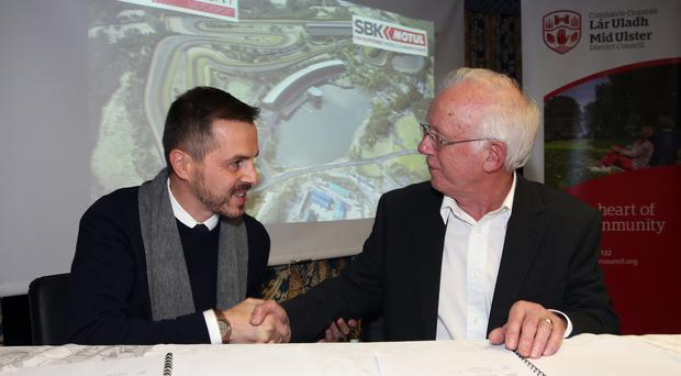 PACEMAKER, BELFAST, 1/2/1018: WorldSBK Executive Director, Daniel Carrera and David Henderson of Manna Developments, the owners of the new £30million Lake Torrent circuit at Coalisland in Co Tyrone sign a three year agreement to host the WorldSBK Races beginning in 2019 in Mid Ulster District Council offices in Dungannon tonight. PICTURE BY STEPHEN DAVISON