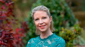 Best-selling Wicklow writer Emma Hannigan told her readers on Facebook that she had not long to live after more than a decade of battling cancer following the discovery that she carried the Brca1 gene, sparking a campaign by her fellow authors