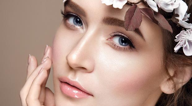 5 top tips to freshen up your make-up.