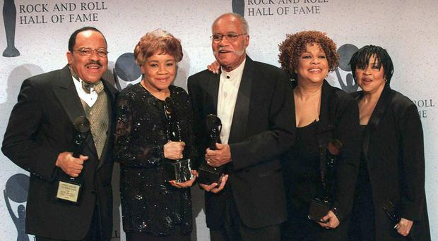 Pervis (l to r), Cleotha, Pops, Mavis and Yvonne Staples in 1999 (Albert Ferreira/AP/PA)