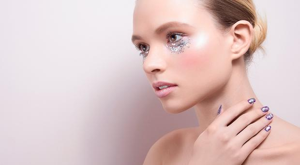 5 top tips for applying glitter
