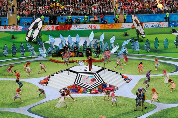 Robbie Williams performs prior to the 2018 FIFA World Cup (Photo by Shaun Botterill/Getty Images)