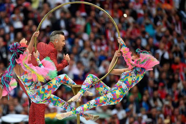 English singer Robbie Williams (C) performs during the Opening Ceremony before the Russia 2018 World Cup (AFP/Getty Images)