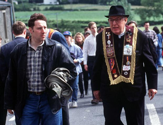 Ian Paisley junior left pictured with his father during the Drumcree stand off in 1996. PACEMAKER BELFAST 15/04/98