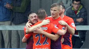 Andrew Mitchell netted twice for Glenavon at Warrenpoint on Saturday.