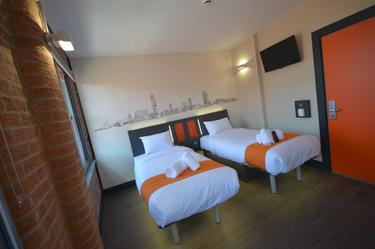 First easyHotel in Northern Ireland officially opens in Belfast