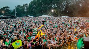 The crowd at the Wolfe Tones concert at Feile an phobail