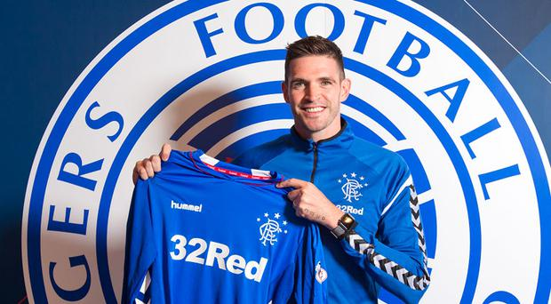Kyle Lafferty has signed a two-year contract with Rangers.