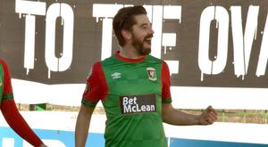 Glentoran's Curtis Allen celebrates his 100th goal for the club Photo Andrew McCarroll/Pacemaker Press