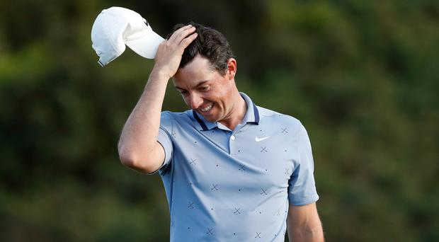 Rory McIlroy's final round difficulties returned in Hawaii.