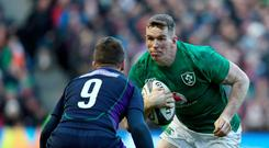 Blue wall: Chris Farrell aims to find a way past Greig Laidlaw