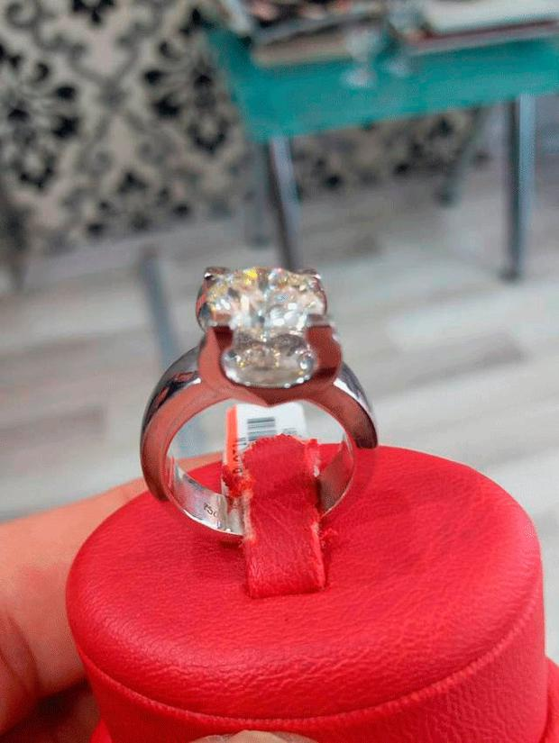 The ring Ian Campbell swallowed in a jewellery shop in Turkey