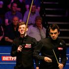 James Cahill and Ronnie O'Sullivan during day three of the 2019 Betfred World Championship at The Crucible, Sheffield. Photo credit: Nigel French/PA Wire