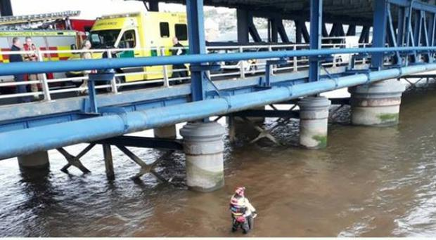 The member of the public alerted the emergency services after a woman jumped off the Craigavon Bridge. Credit: PSNI