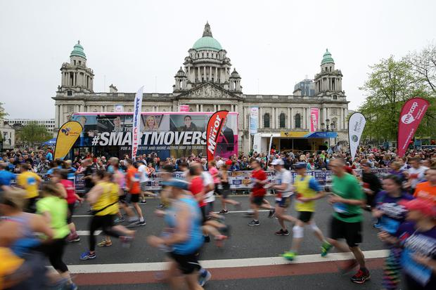 Press Eye - Belfast - Northern Ireland - 7th May 2018 - 37th Deep RiverRock Belfast City Marathon. Runners pictured at the marathon at Belfast City Hall.