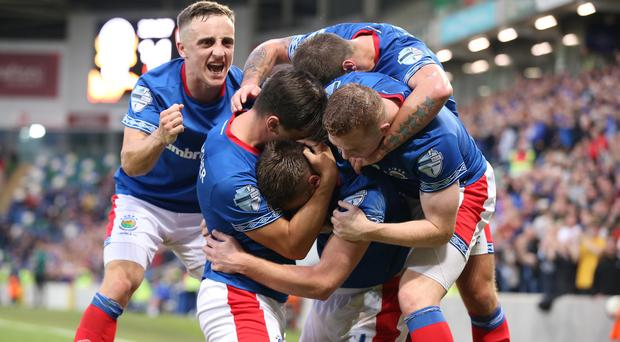 Linfield go to Baku with a 3-2 lead from the first leg.