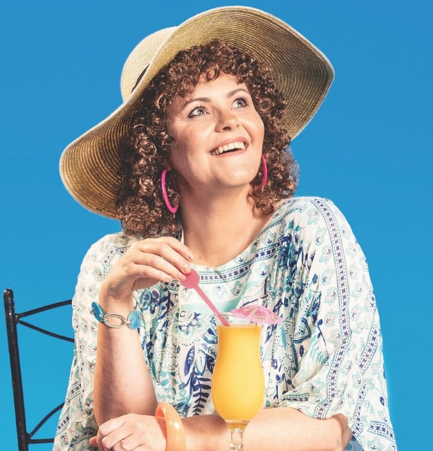 Tara Lynne O'Neill in rehearsals for new role in Shirley Valentine