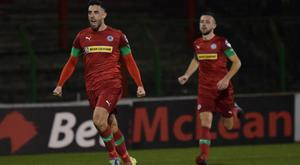 Glentoran v Cliftonville Danske Bank Premiership Cliftonville's Joe Gormley scores during this evenings game at the Oval in Belfast Photo Andrew McCarroll/Pacemaker Press
