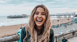 Zoe Sugg. Credit: @zoesugg on Instagram
