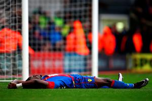 LONDON, ENGLAND - JANUARY 03:  Pape N'Diaye Souare of Crystal Palace shows his dejection at the end of the Barclays Premier League match between Crystal Palace and Chelsea at Selhurst Park on January 3, 2016 in London, England.  (Photo by Paul Gilham/Getty Images)